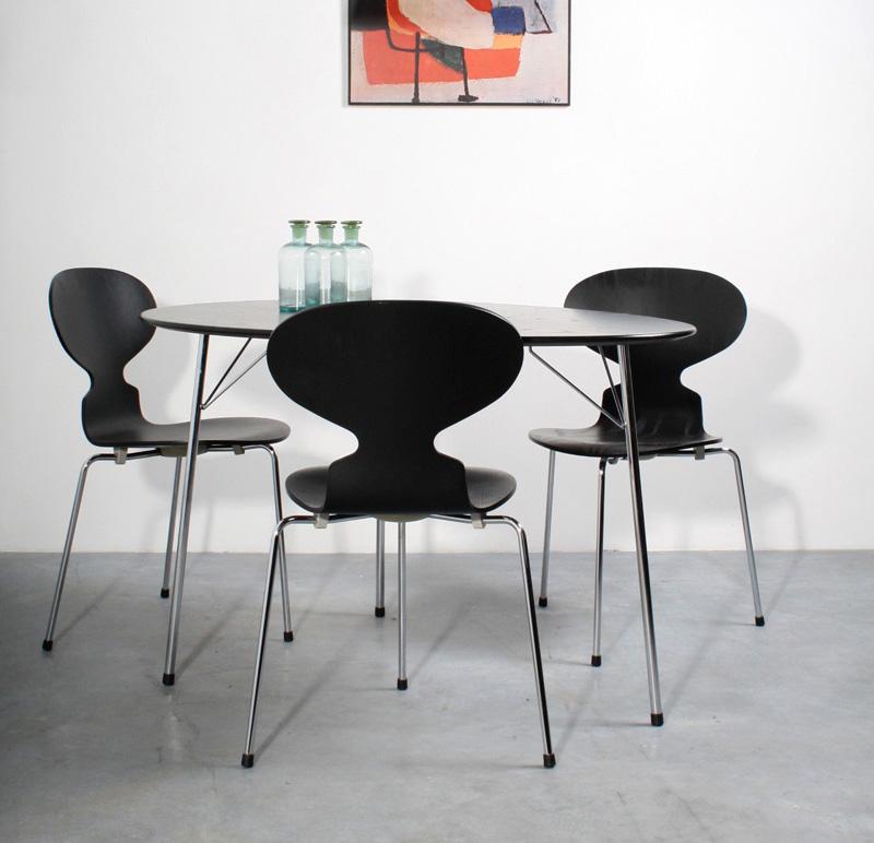 Fritz Hansen Anniversary set Arne Jacobsen Ant table