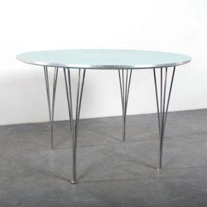Fritz Hansen table Piet Hein design spanpoten Arne Jacobsen