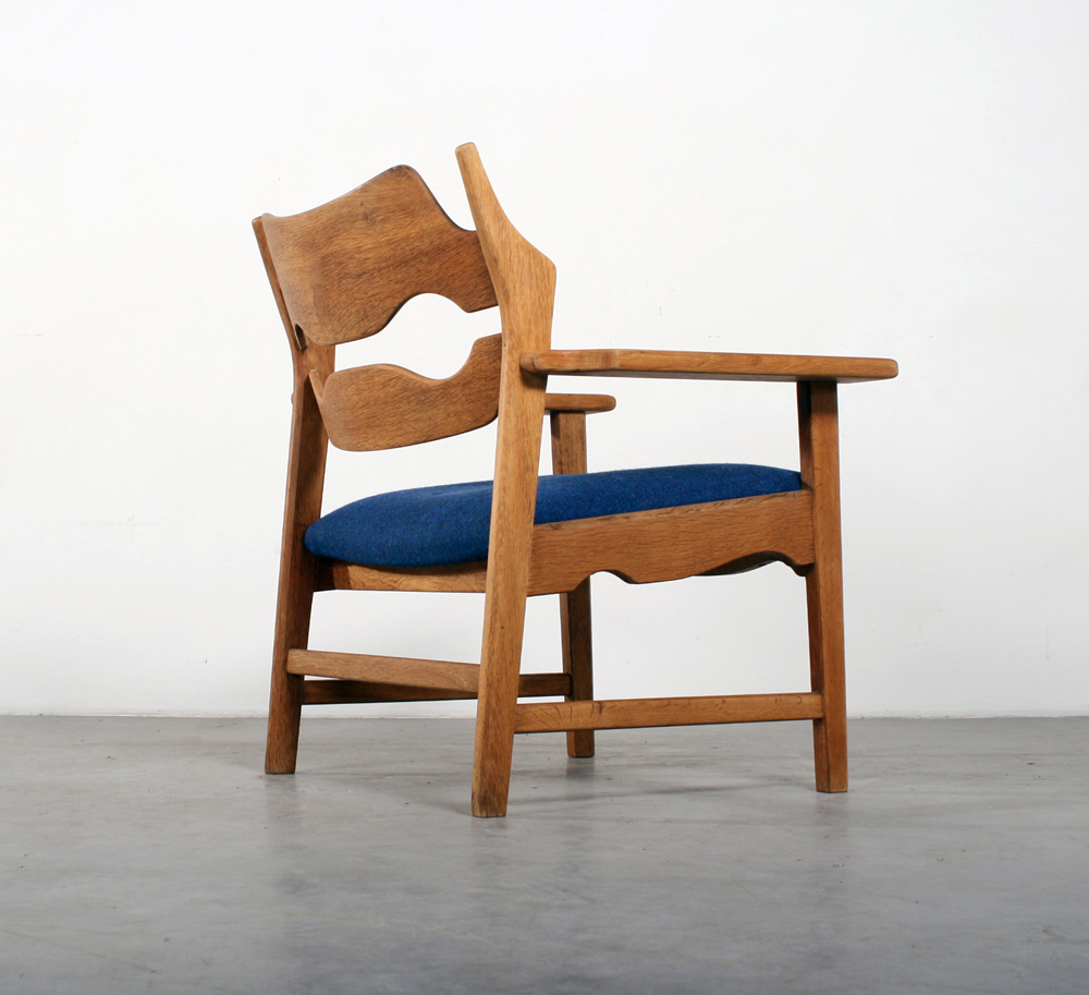 Henning Kjaernulf design Danish chair