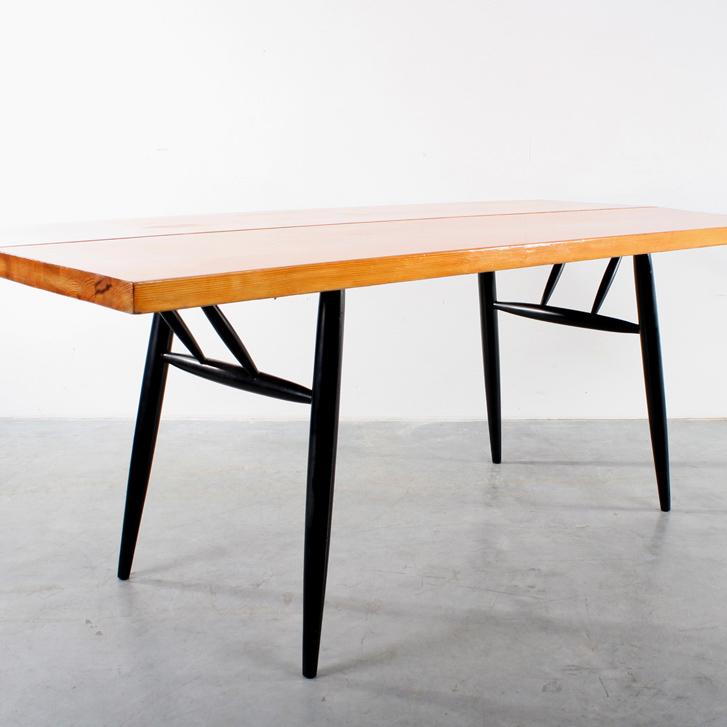 Tapiovaara table design tafel Laukaan Puu Finland