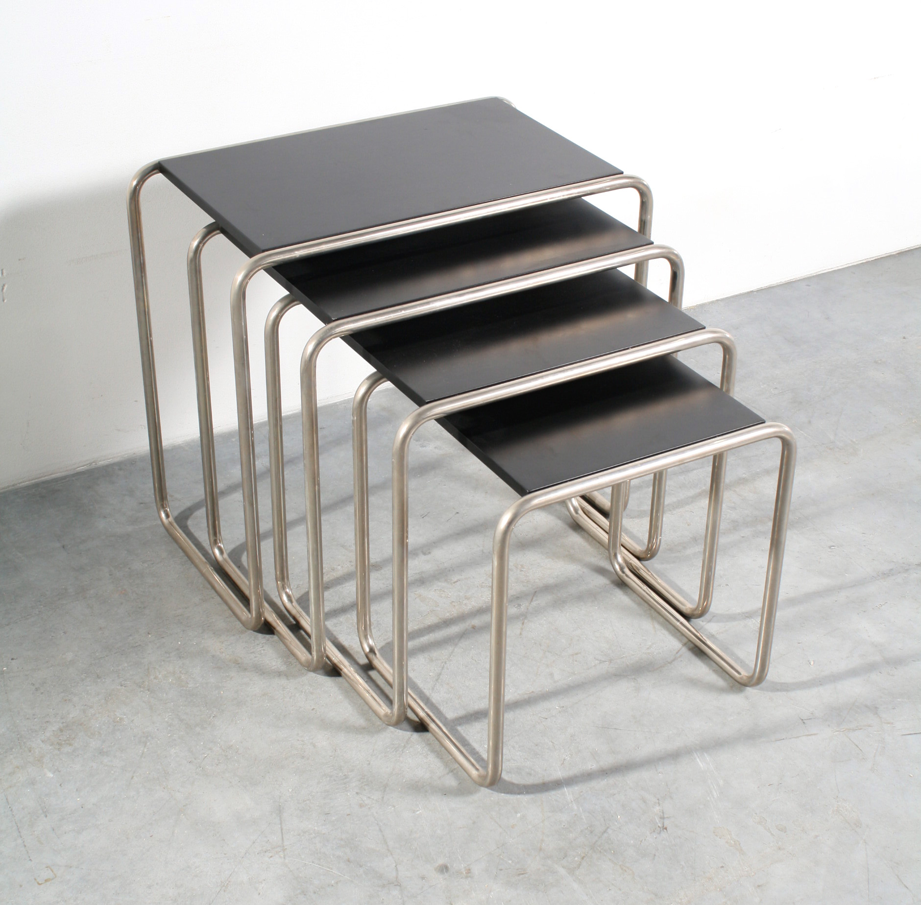 Thonet B9 salontafel table Bauhaus design Marcel Breuer