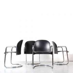 B&B Italia chairs design Scarpa Dialogo stoelen