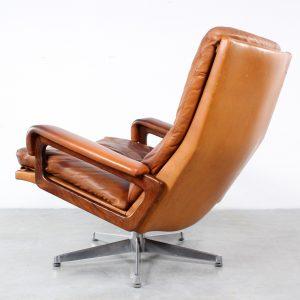 Strassle King chair design André Vandenbeuck retro fauteuil