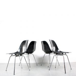 Eames DSX chair Herman Miller black chrome stoel