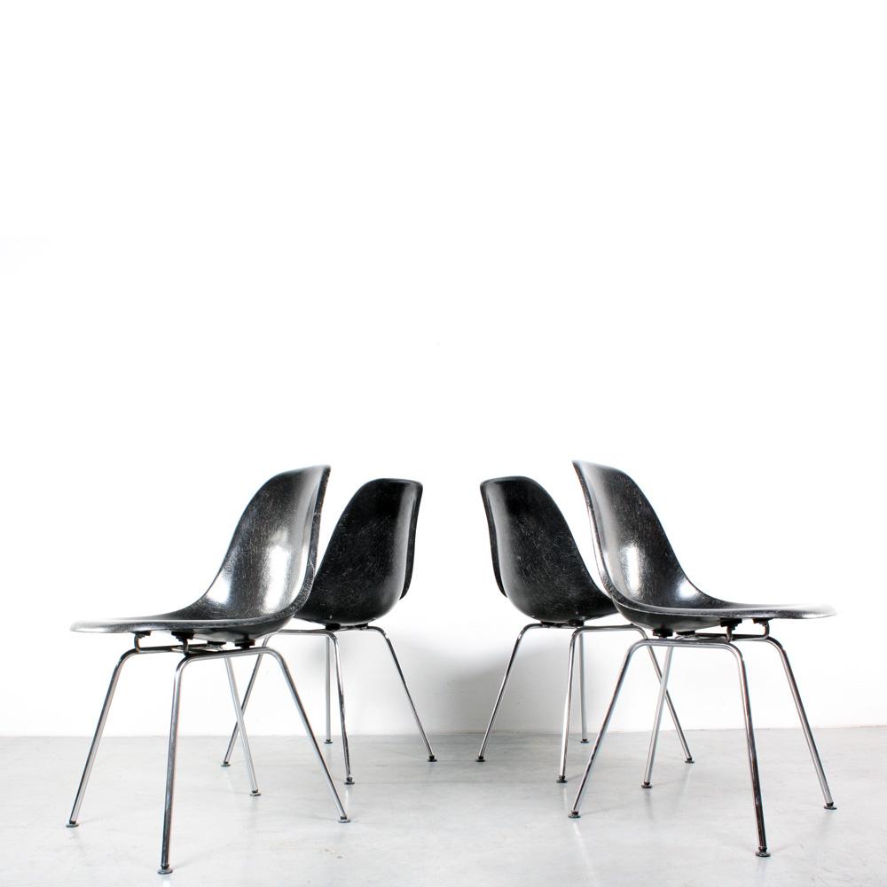 Eames DSX chair Herman Miller black chrome stoel