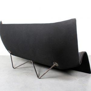 Oscar Tusquets Blanca sofa Alibaba bank design Casas