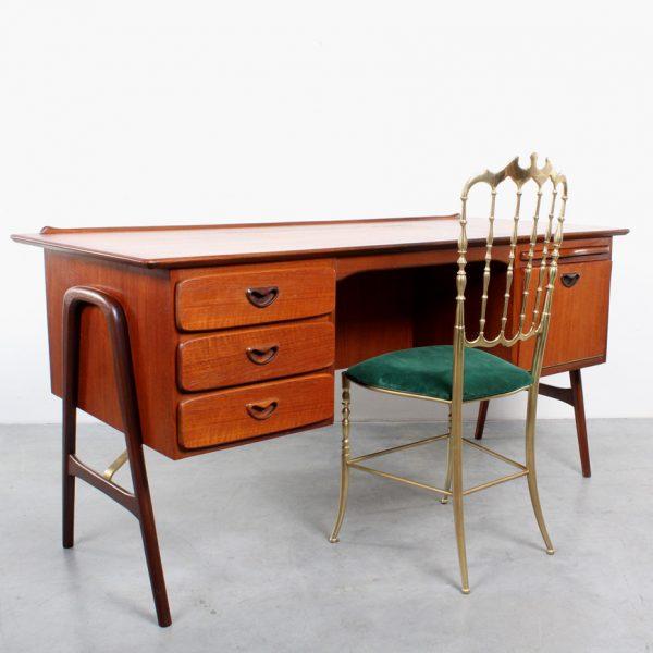 Webe desk teak design van Teeffelen model boomerang