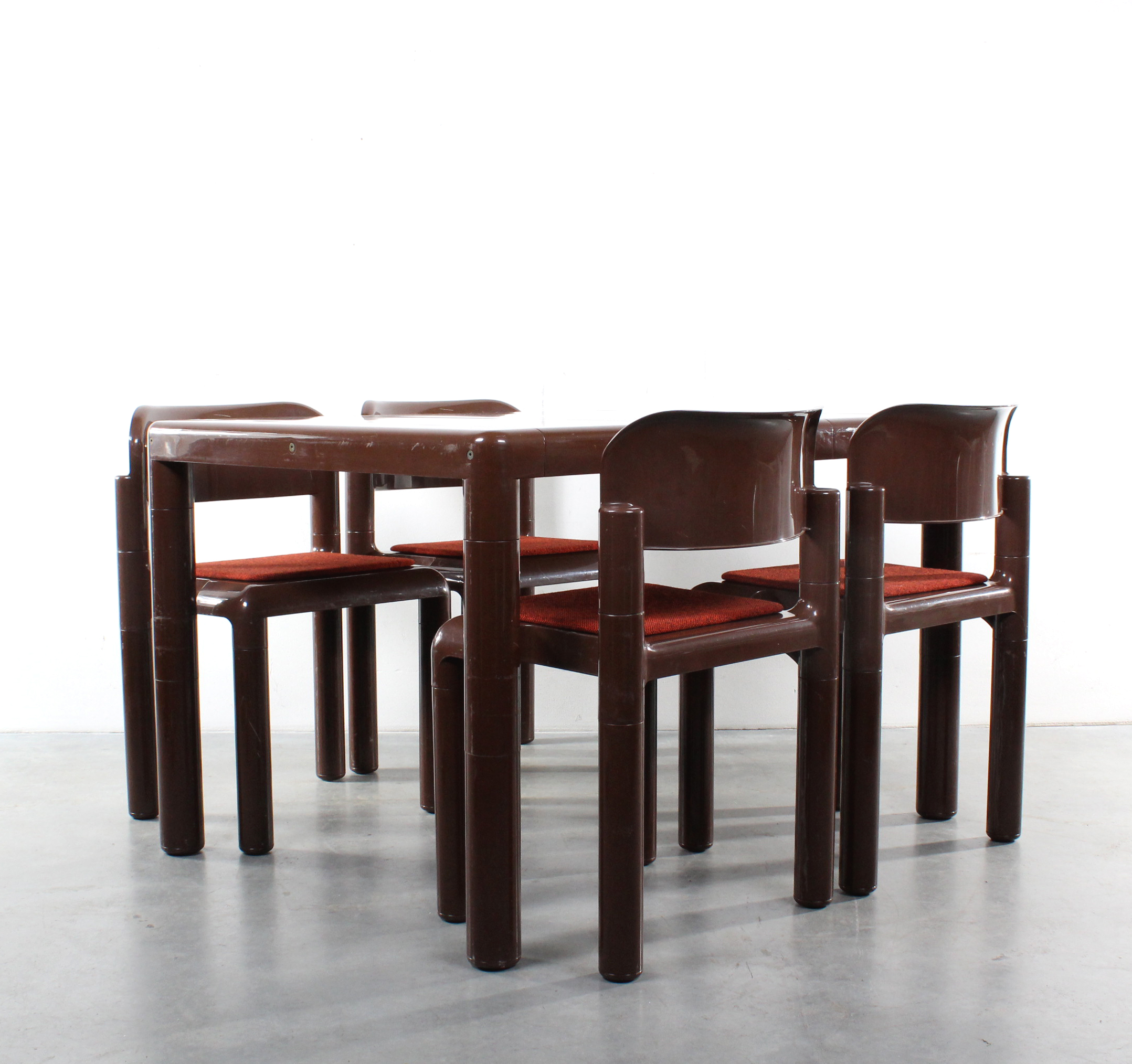 Studio1900 eero aarnio dining set design upo finland for Dining set decoration
