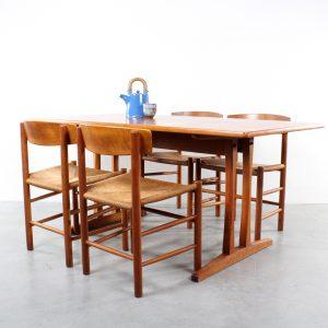 Borge Mogensen design FDB Mobler Shaker dining set