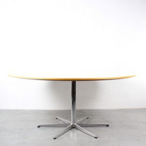 Fritz Hansen large dining table design Arne Jacobsen conference