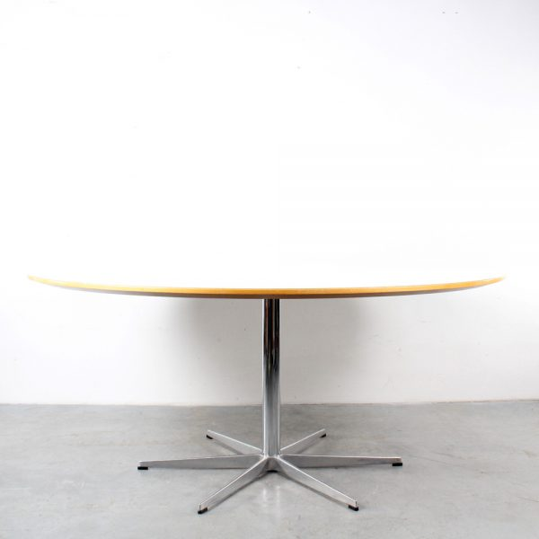 Fritz Hansen large dining table design Arne Jacobsen conference