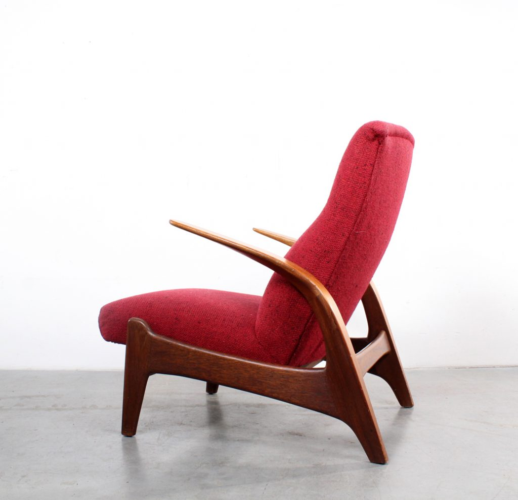 Gimson and Slater chair design armchair fauteuil