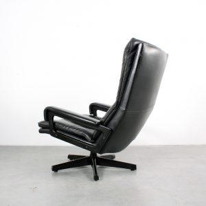 Strassle King chair Swiss design Vandenbeuck