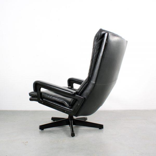 Strassle King chair Swiss design Vandenbeuck