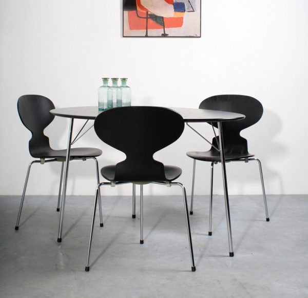 Fritz Hansen Anniversary set Arne Jacobsen Ant table