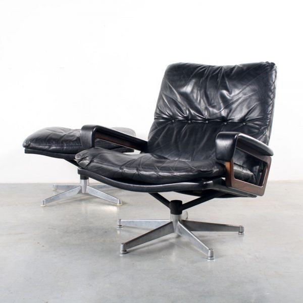 King chair Strassle fauteuil pouf design Andre Vandenbeuck