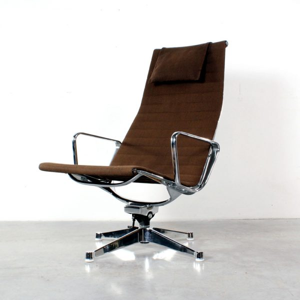 Eames EA 124 Herman Miller design chair fauteuil