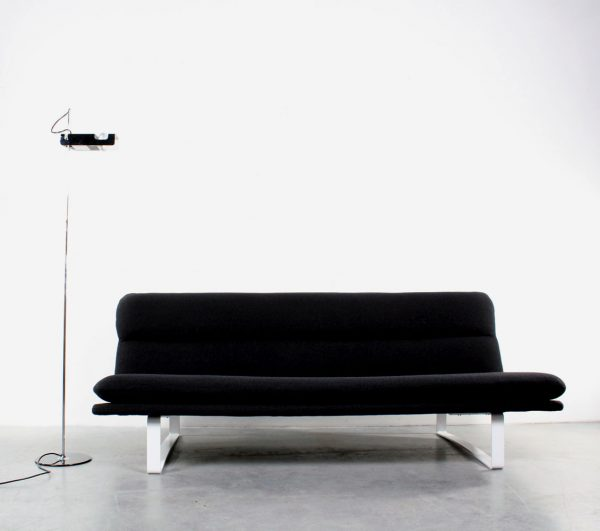 Artifort C683 bank sofa design Kho Liang Ie retro