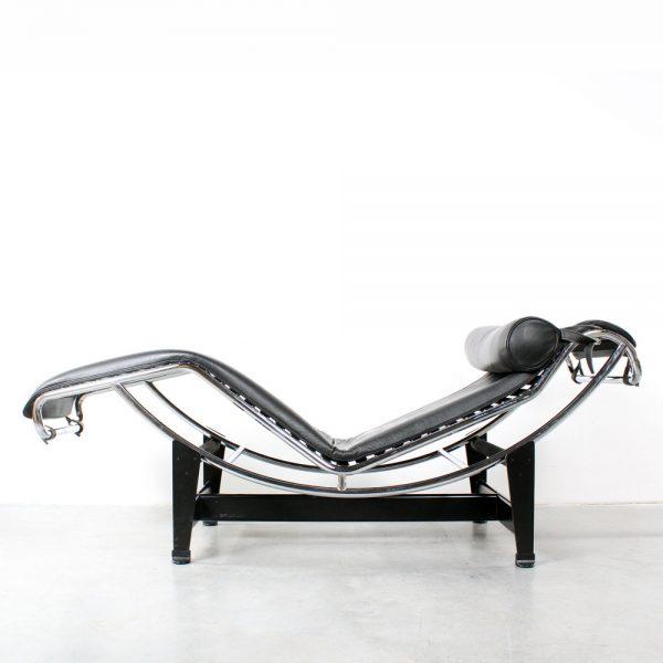 LC4 le Corbusier Chaise Longue Cassina design Perriand Jeanneret