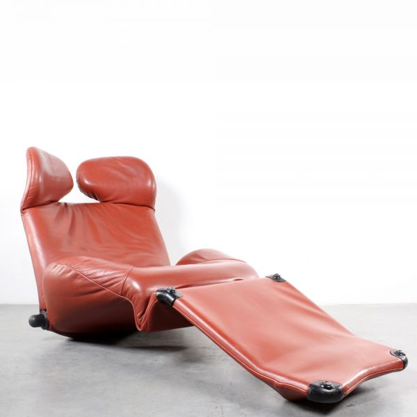 Cassina lounge chair Wink leather design Toshiyuki Kita