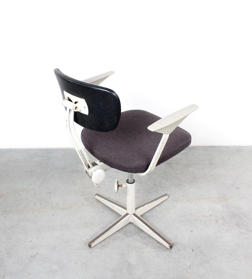 Friso Kramer Bureaustoel.Friso Kramer Design Desk Chair Ahrend Bureaustoel Studio1900