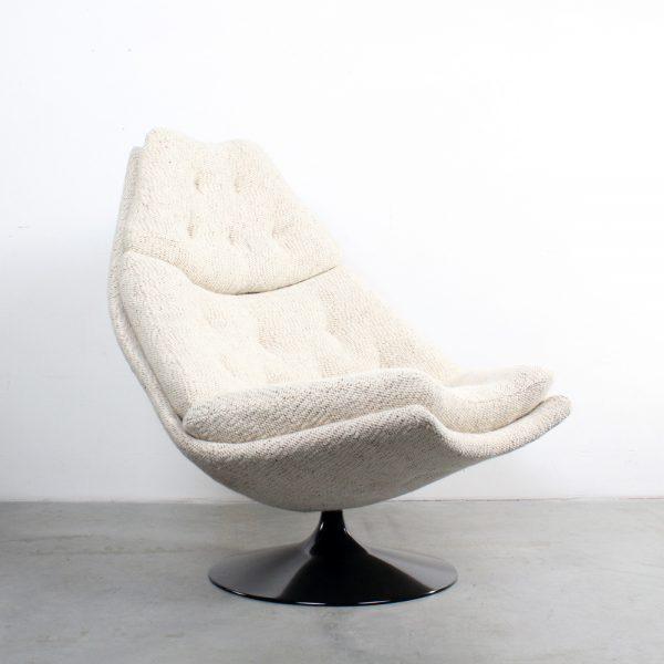 Artifort chair design Harcourt F588 fauteuil