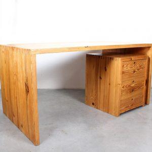 Ate van Apeldoorn pine table houtwerk Hattem