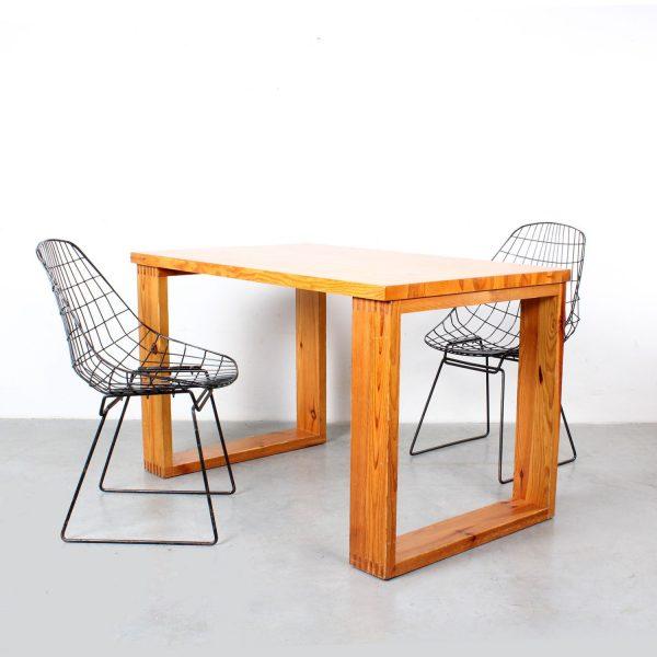 Ate van Apeldoorn dining table